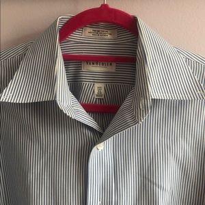 Van Heusen Button Down shirt men's 15.5 32/33